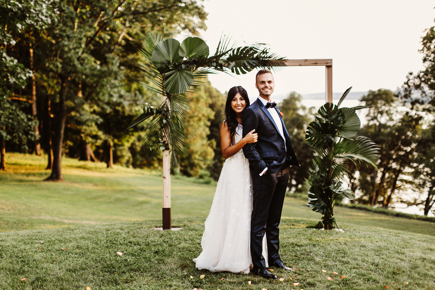 Julie And Tom S Colorful Modern Wedding Oak Hill Photography